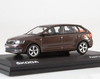 Skoda Rapid Spaceback (2013) brown