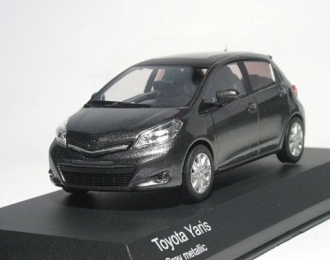 TOYOTA Yaris 2012, серый