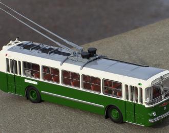 ЗИУ 5 троллейбус, белый / зеленый