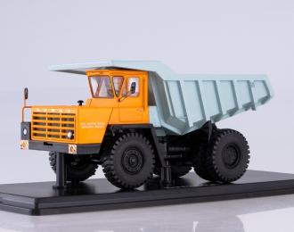 БЕЛАЗ-540А карьерный самосвал, оранжевый / голубой