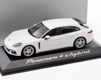 PORSCHE Panamera turbo S e-Hybrid Executive, white