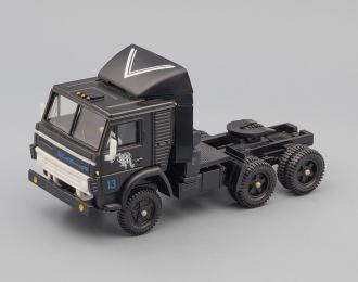 Камский грузовик 5410 седельный тягач Совтрансавто, черный