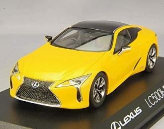 Lexus LC500h (yellow)