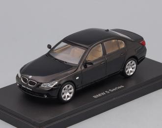 BMW 545i Sedan, black