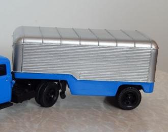 Сборная модель Полуприцеп-фургон Павловский Автобус 744