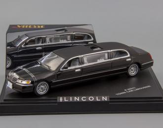 LINCOLN TownCar Limousine 2000, black