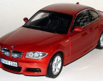 BMW 1er Coupe E82 (2007), sedona red met.