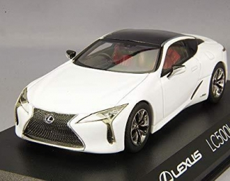 Lexus LC500h (white)