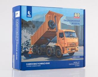 Сборная модель КАМАЗ-6540 8x4 самосвал