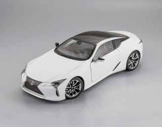 LEXUS LC500, white