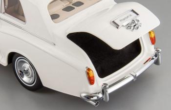 ROLLS-ROYCE Phantom VI, white