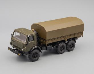 Камский грузовик 4310 с тентом (поворотные колеса), хаки