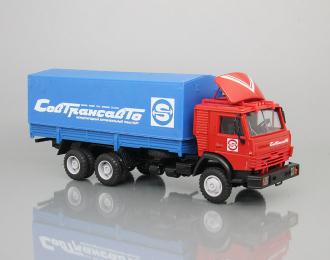 Камский грузовик 53212 с тентом Совтрансавто, красный / синий