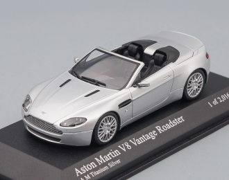 ASTON MARTIN V8 Vantage Roadster (2009), silver