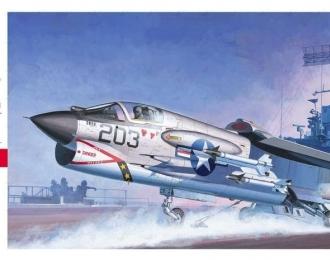 Сборная модель Американский истребитель Vought F-8E Crusader