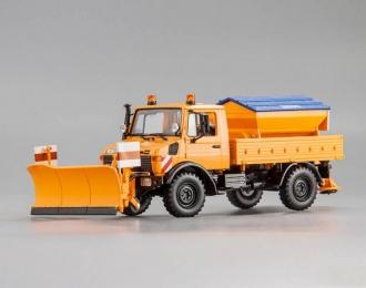 MERCEDES-BENZ Unimog 1300 L 'Schneepflug', orange