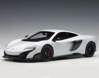 McLaren 675LT (cilica white)