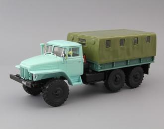 Уральский грузовик-375Д бортовой с тентом, Грузовики СССР 43