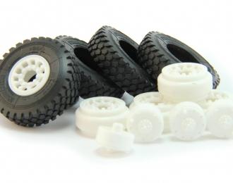Комплект дисков Грузовые ралли-марафоны (Камский грузовик Мастер и др.) с резиной MICHELIN XZL+