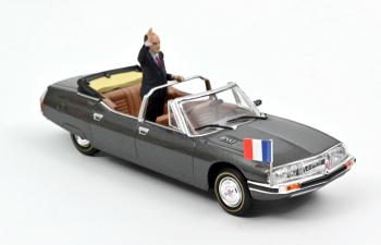 CITROEN SM Présidentielle с фигуркой президента Франции Франсуа Миттеран 1981