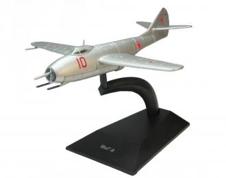 Миг-9, Легендарные Самолеты 32