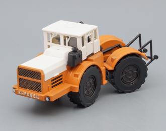 Трактор Кировец, оранжевый / коричневый