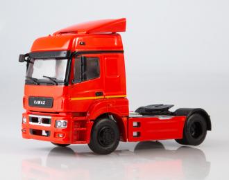 Камский грузовик 5490 седельный тягач, красный