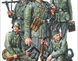 Сборная модель Набор немецких пехотинцев 1941-1942г. (5 фигур)