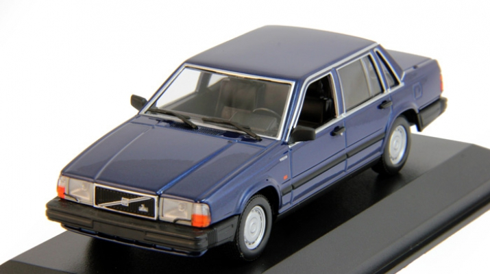 VOLVO 740 GL (1986), dark blue metallic