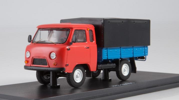 УАЗ-39095 с тентом, красный / синий