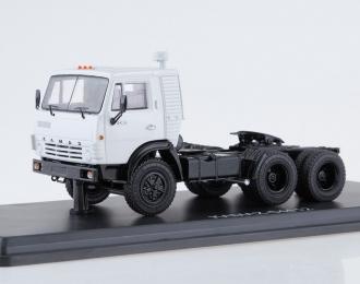 Камский грузовик 54112 седельный тягач, серый