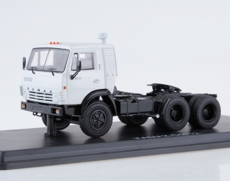 КАМАЗ-54112 седельный тягач, серый