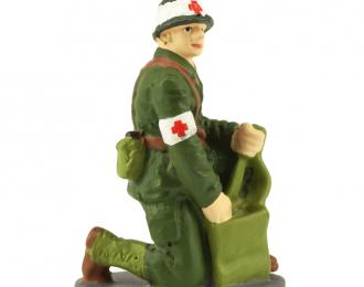 1 Француский военный санитар с медицинской сумкой