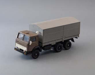 Камский грузовик 5320 бортовой с тентом, серый