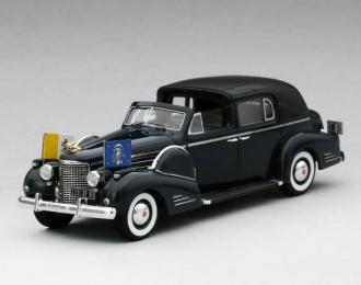 "Cadillac Series 90 V16 Town Car Vatican ""V-16"" Pope Pius XII 1938 (black)"