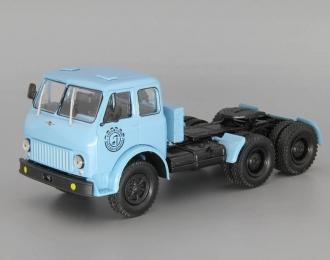 МАЗ-515 седельный тягач, голубой