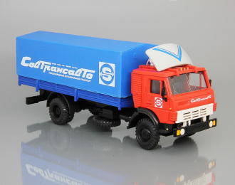 Камский грузовик 5325 с тентом Совтрансавто, красный / синий