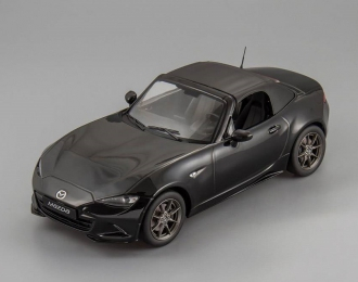 MAZDA MX-5 with removable soft top (2015), black
