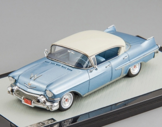 Cadillac Fleetwood 62 1957 (white / blue)