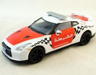 NISSAN GTR Полиция Арабских Эмиратов, Полицейские Машины Мира 51, белый