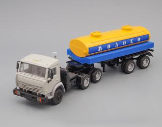 """Камский грузовик 54101 с полуприцепом-цистерной """"Молоко"""", серый / желтый / синий"""
