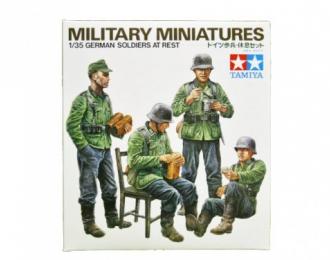 Сборная модель Немецкие солдаты на отдыхе, четыре фигуры. Ограниченный выпуск!!!
