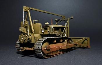 Сборная модель U.S. ARMY TRACTOR w/ANGLED DOZER BLADE