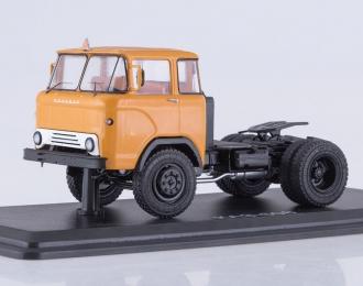 КАЗ 608 седельный тягач, оранжевый