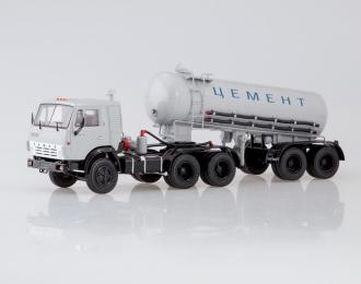 Камский грузовик 54112 с полуприцепом-цементовозом ТЦ-11, серый