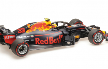 Aston Martin Red Bull Racing Team  RB14 M. Verstappen Austrian GP 2018