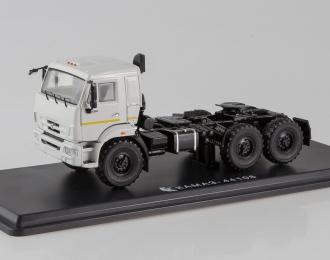 КАМАЗ 44108 седельный тягач, белый