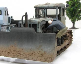 Т-74 бульдозер серый ранний (грязный, колпак, фигурка, основание)