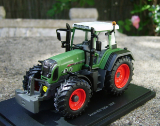 Fendt 820 Vario (2007), green / black / white