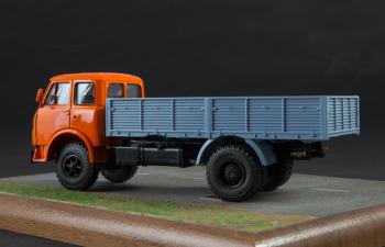 МАЗ-5335 бортовой, Легендарные Грузовики СССР 20